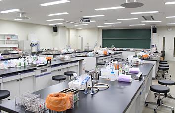 臨床検査学科実習室