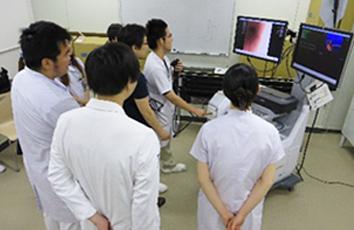 上部下部消化管内視鏡実習の様子03(2014年5月20日)