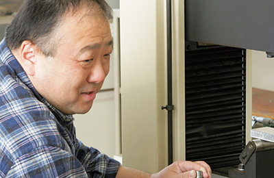 日野 裕准教授の写真
