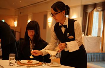 ホテルオークラ東京ベイでのテーブルマナー研修2