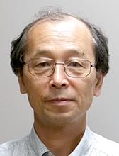 センター長<br />山本 健兒教授