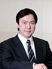センター長 冲永 佳史(帝京大学 理事長・学長)