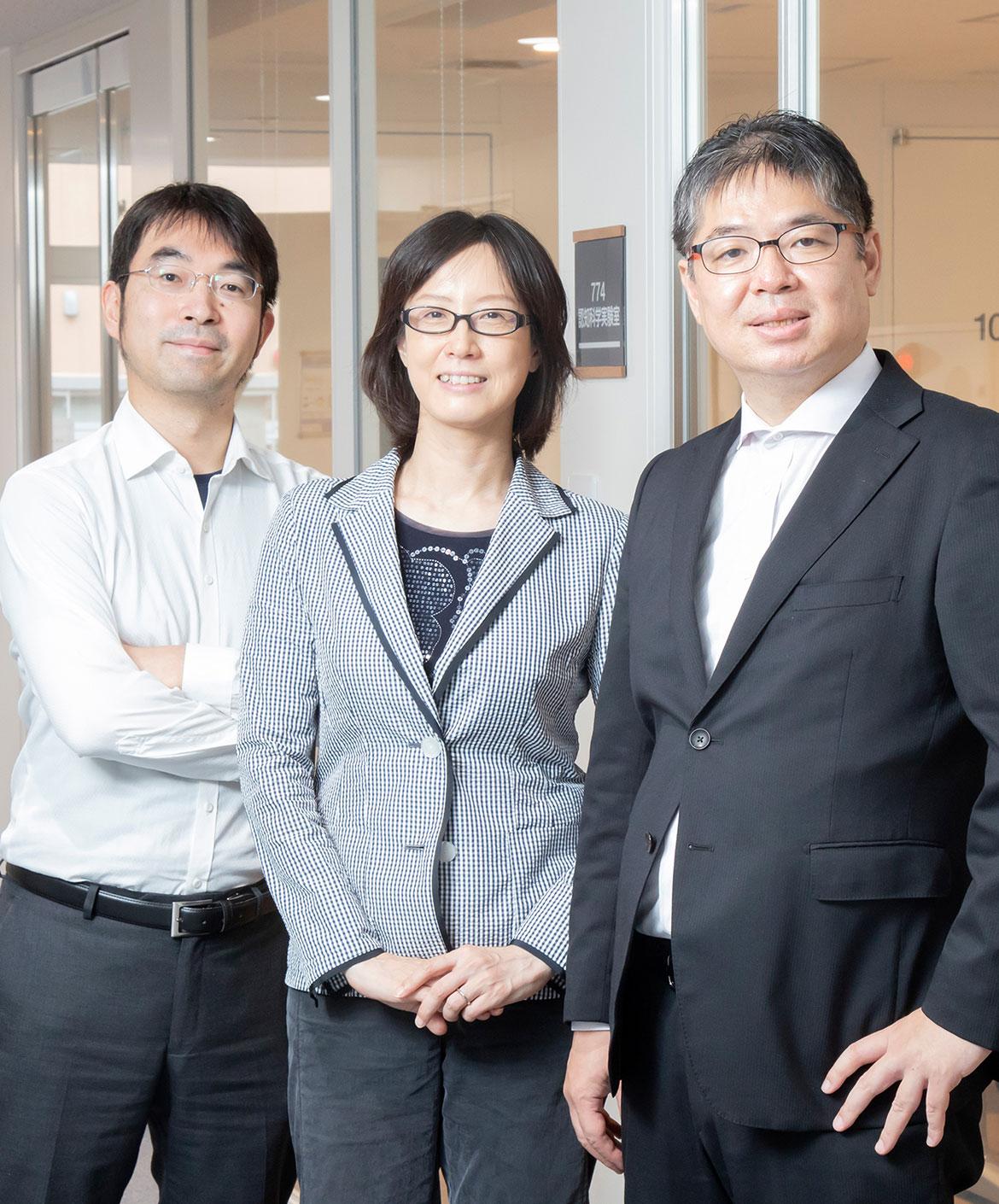 (左から)古徳 純一 教授 / 大江 朋子 教授 / 小川 充洋 准教授
