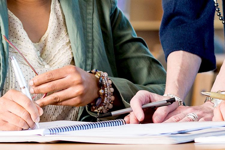 外国人留学生をさらにサポートする減免・奨学金制度