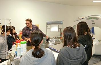 ヴォー保健科学大学にて放射線技術学研修を行いました【医療技術学部】
