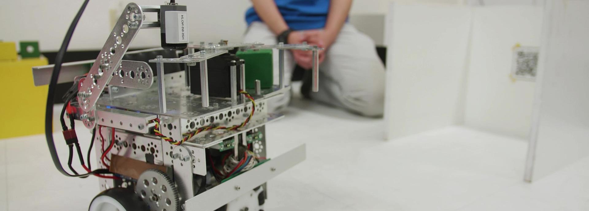 ロボットを通して社会課題に取り組み未来のエンジニアを育成