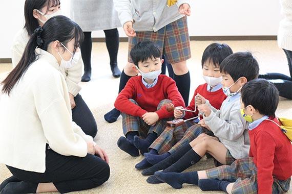 田崎ゼミが帝京大学幼稚園児を招いて演奏会を行いました【八王子キャンパス】