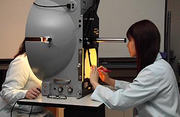 視能矯正学科実習室