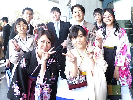 2013年度研究室卒論生の卒業式