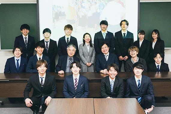 三竝ゼミが冲永理事長・学長に帝京大学発ヨーグルトプロジェクトの活動報告を行いました