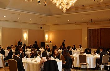 ホテルオークラ東京ベイでのテーブルマナー研修1