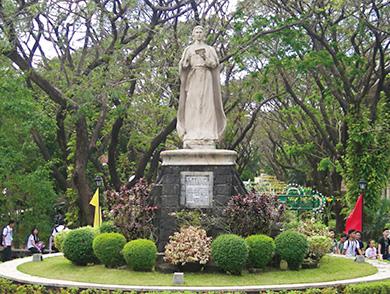 デ・ラ・サール大学 ダスマリニャス 【フィリピン】