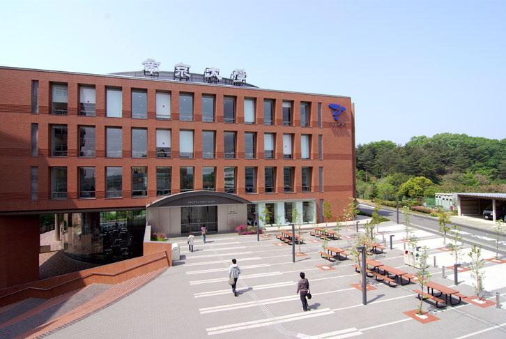 帝京大学 メディアライブラリーセンター外観